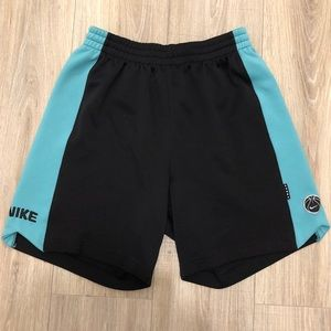 VINTAGE NIKE SPORTS BASKETBALL SHORTS